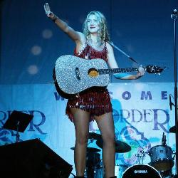 Elizabeth Scarborough performs shows as Taylor Swift.