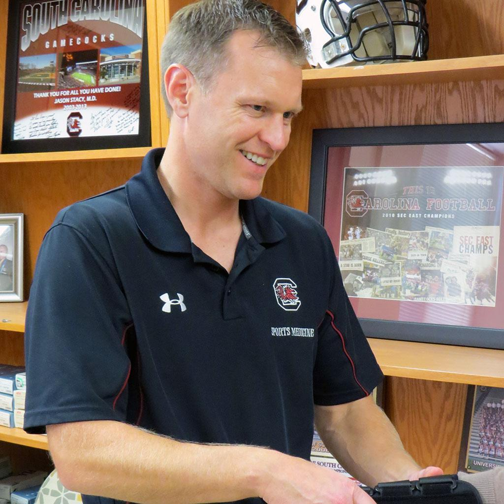 Health south physical therapy - Dr Jason Stacy Is Student Health Services Director For Sports Medicine And Physical Therapy