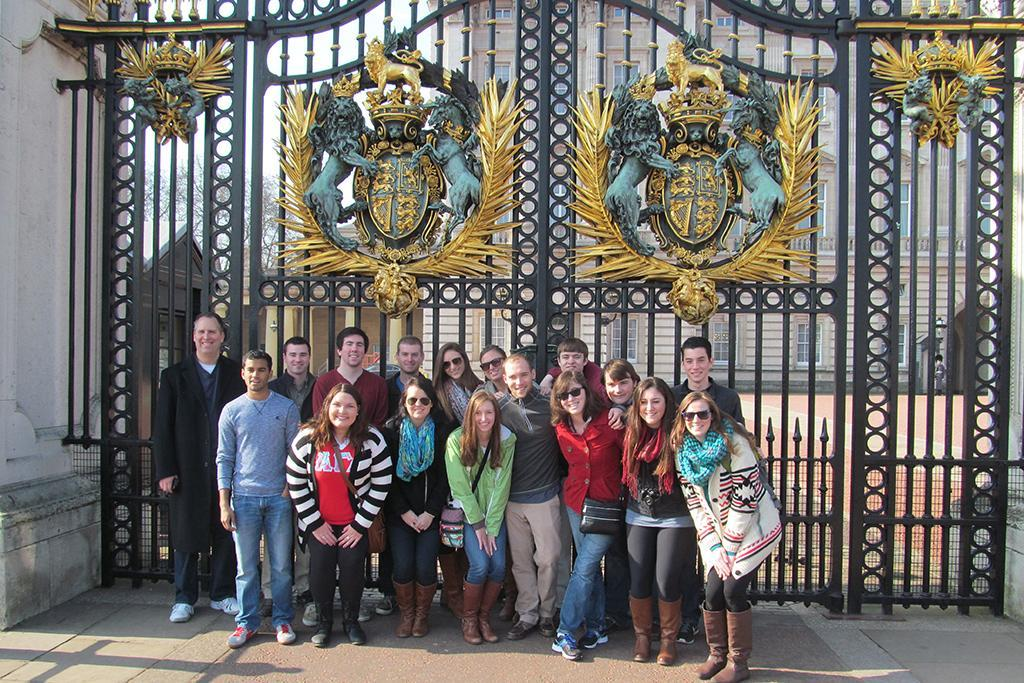 HRSM students take a minute to pose in front of England's famous Buckingham Palace