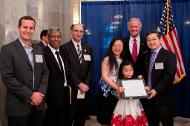 Chen Li Receives the 2017 Governor's Young Scientist Award for Excellence in Scientific Research