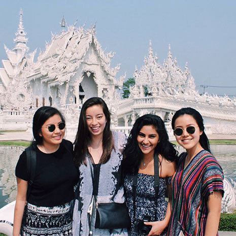 capstone scholars on a trip to thailand