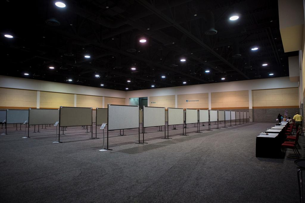 The display boards we use at Discover USC measure eight feet wide by four feet high. Each display board is used to display two posters on each side. This means that <strong>every poster presenter is entitled to use four feet of vertical space and four feet of horizontal space on the poster display board.</strong> Posters that exceed four feet wide by four feet high in any direction can cause display issues.