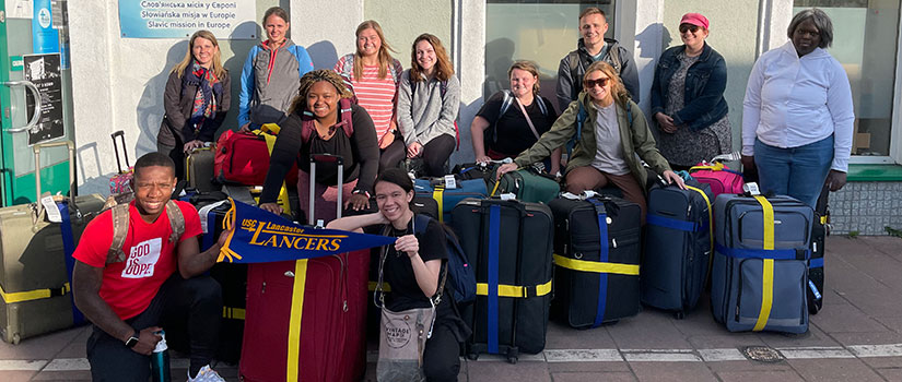 Travel Study students and advisors in London