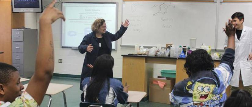 Associate Professor Linda Shimizu teaches a class.