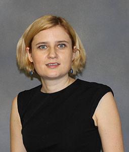 Dr. Natalia Shustova