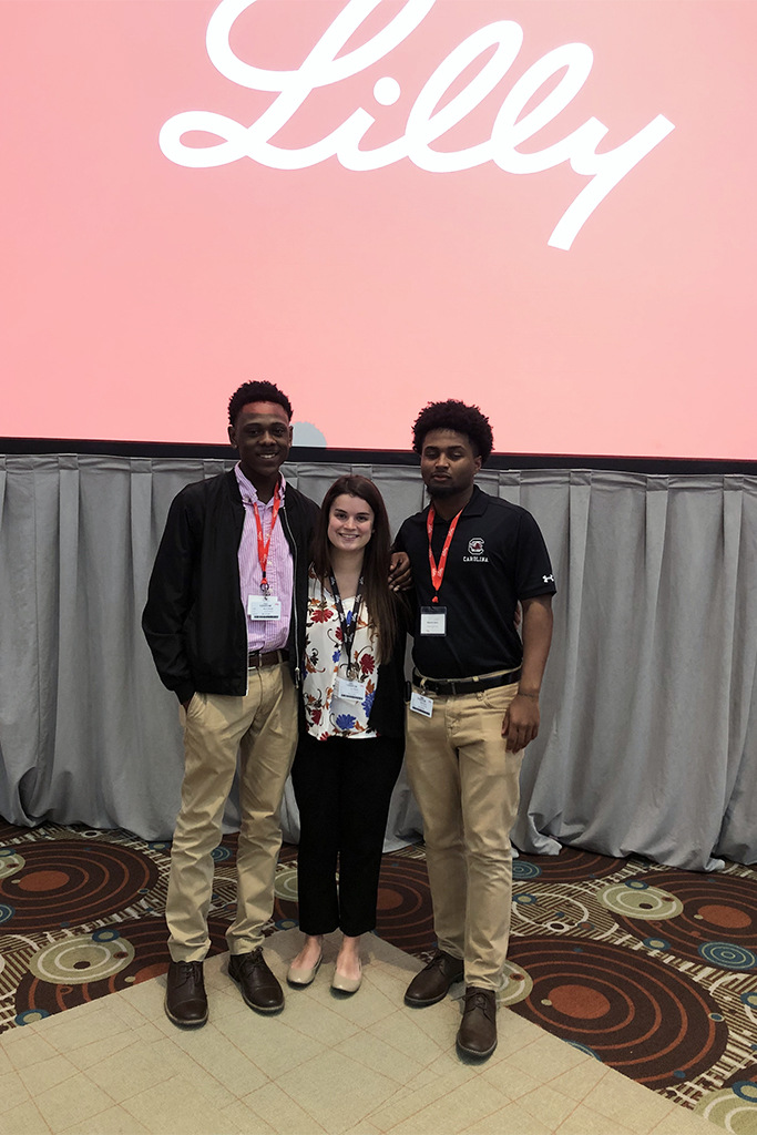 Bunting had the opportunity to participate in a student discovery day program with the pharmaceutical company Eli Lilly. She toured the facility and met peers with similar interests.