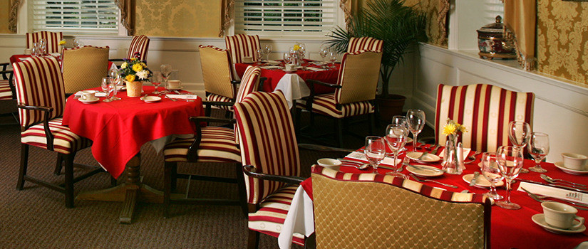 The McCutchen House offers spacious, elegant rooms for bistro-style dining.