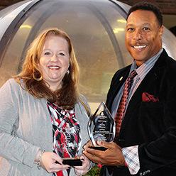 College honors alumni award recipients at alumni oyster roast