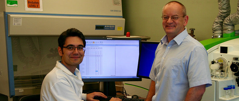 Doctoral student Seyyedali Mirshahghassemi and CENR Director Jamie Lead in the CENR Lab