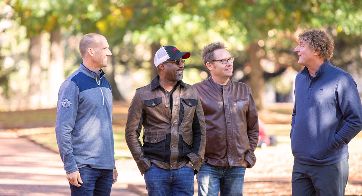 4 members of Hootie & the Blowfish on the Horseshoe